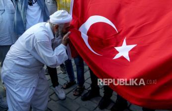 Hagia Sophia: Mengapa Harus Jadi Masjid?