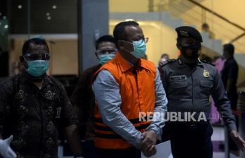 In Picture: KPK Tahan Menteri Kelautan dan Perikanan Edhy Prabowo