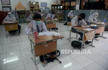 Sekolah Harus Siap Prokes Agar Anak tak Jadi <em>Super Spreader</em>