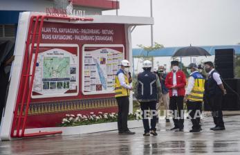 Jokowi ke Riau Tinjau Tol dan Beri Arahan Tangani Covid-19