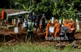 Kepala Suku Dinas di Jakarta Keluhkan Bandelnya Warga Ziarah