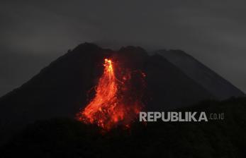 BPPTKG: Gunung Merapi Keluarkan 17 Kali Lava Pijar