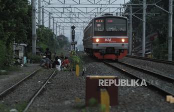 Jokowi Resmikan KRL Jogja-Solo