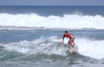 Rio Waida Menuju Babak Eliminasi Selancar Olimpiade Tokyo