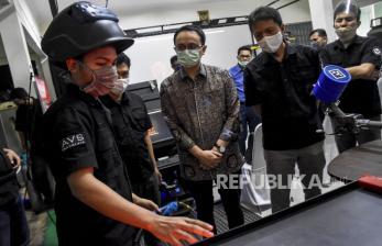 In Picture: Wakil Mendag Jajal Produk Simulator Buatan Bandung