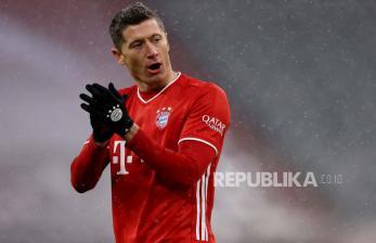 Penalti Lewandowski Amankan Kemenangan Muenchen di Ausgburg