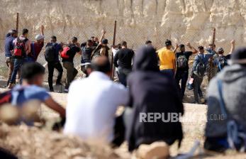 Israel Tingkatkan Jumlah Izin Kerja Kepada Warga Palestina