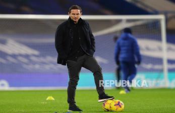Sebagian Suporter Chelsea Masih Dukung Lampard