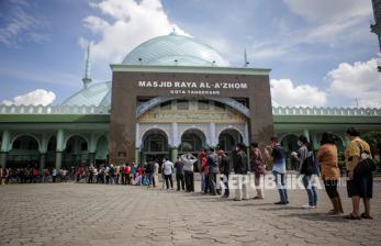 In Picture: Vaksinasi Covid-19 Massal di Kota Tangerang