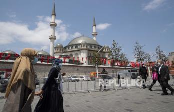 Tradisi Adzan Utsmaniyah dan Adzan Berbahasa Turki