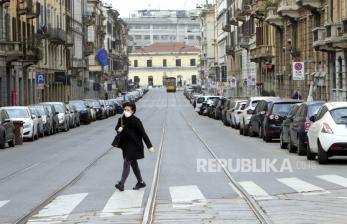 Italia Tes Antibodi Petugas Kesehatan untuk Kembali Bekerja