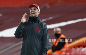 Liverpool Krisis Bek, Klopp tak Panik