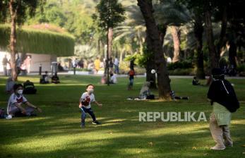 In Picture: Kawasan Lapangan Banteng Mulai Ramai Pengunjung