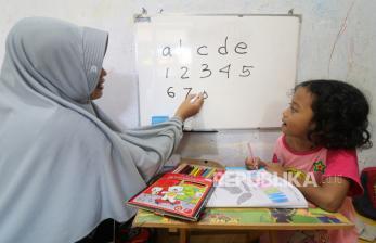 Pemkot Surabaya Perpanjang Masa Belajar di Rumah