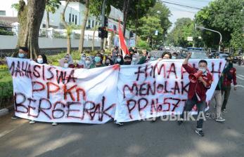 In Picture:  Pendidikan Pancasila Tidak Wajib, Massa Tolak PP No.57/2021