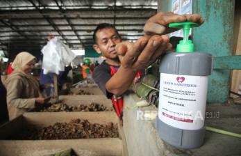 Anggota DPRD Surabaya Minta Bahan Bilik Sterilisasi Ditinjau