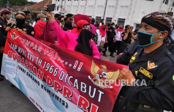 In Picture: Massa Aliansi Jogja BersatuTolak RUU HIP