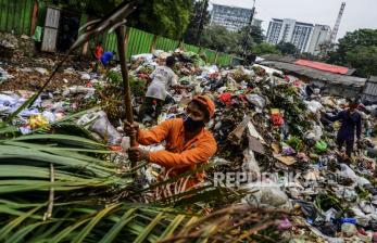 In Picture: Volume Sampah Meningkat Selama Ramadhan