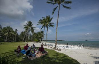 Warga Kota Batam Mulai Berani Wisata Pantai