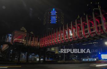 In Picture: Lampu Sorot Merah Putih Warnai Infrastruktur Jakarta