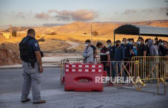 Israel Beri Izin Kerja Kepada 15 Ribu Pekerja Palestina
