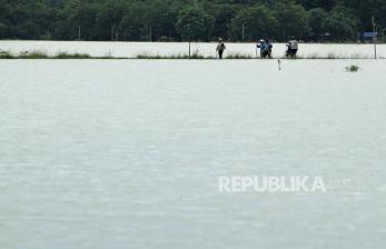 Ratusan Hektare Sawah di Indramayu Terendam Air