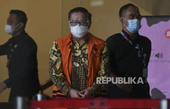 In Picture: KPK Sejumlah Tersangka dan Saksi Berbagai Kasus