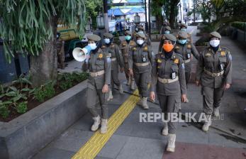 Tingkatkan Patroli Satpol PP di Alun-Alun Kota Bandung