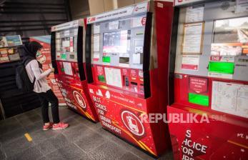 Pemberlakuan PSBB Perdana Picu Kebingungan Penumpang KRL