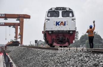 In Picture: Luhut Kunjungi Proyek Kereta Api Cepat di Tegalluar Bandung