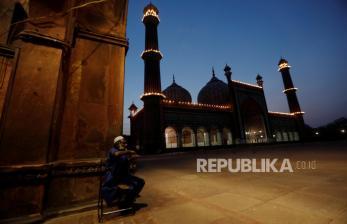 Sebagian Muslim di India Rayakan Idul Fitri pada Senin