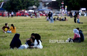 In Picture: Ngabuburit di Alun-alun Selatan Yogyakarta