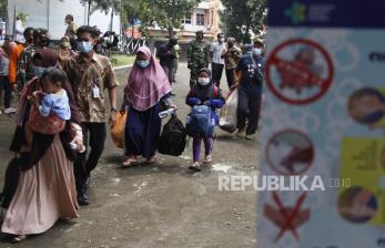 54 Pengungsi Mamuju Sulbar Diantarkan ke Daerahnya Tujuan