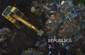 <em>Update </em>BNPB: Korban Meninggal Banjir NTT 174 Orang