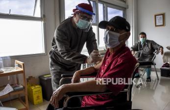 Perhatian Lebih untuk Lansia, Vaksinasi Bisa Dekat Rumah