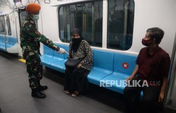 Hadapi <em>New Normal</em>, Jokowi Sebar Aparat Keamanan
