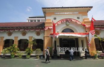 Pegawai Positif Covid-19, PN Surabaya Hentikan Layanan