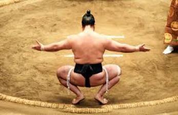 Turnamen Sumo Bergengsi di Jepang Ditunda