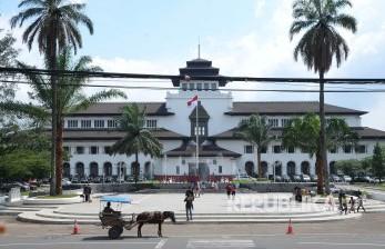 Polisi Tutup Sementara Akses Utama di Kota Bandung