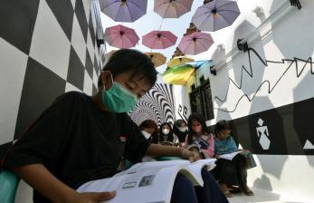Taman Baca di Surabaya Dibuka Bertahap