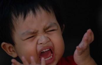Anak Menelan Benda Asing, Tunggu Keluar Sendiri Saat BAB?