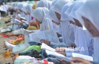 Alumnus Non-Muslim Merasa Guru SMKN 2 Padang Toleran