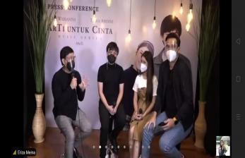 Yovie Widianto Turut Tampil di Video Kolab Arsy-Tiara