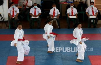 In Picture: Latihan Tim Kata Beregu Putri Kontingen Jawa Timur