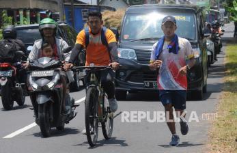 In Picture: Raih Medali Emas, Atlet Pencak SIlat Jateng Nazar Berlari