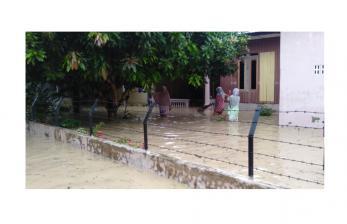 Pegadaian Syariah Serahkan Sembako untuk Korban Banjir Pidie