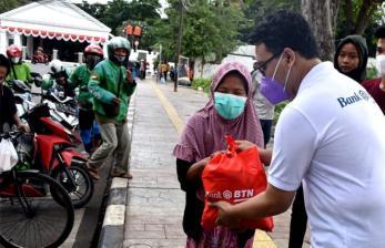 In Picture: Bantuan Sembako untuk Ringankan Beban Saat PPKM