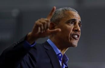 Sanders Minta Nasehat Obama Sebelum Mundur
