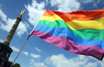 Bendera LGBT Berkibar di Gedung Kemenlu Israel