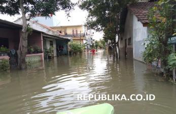 Dukcapil Ganti 5.490 KK Warga Tangerang Rusak karena Banjir